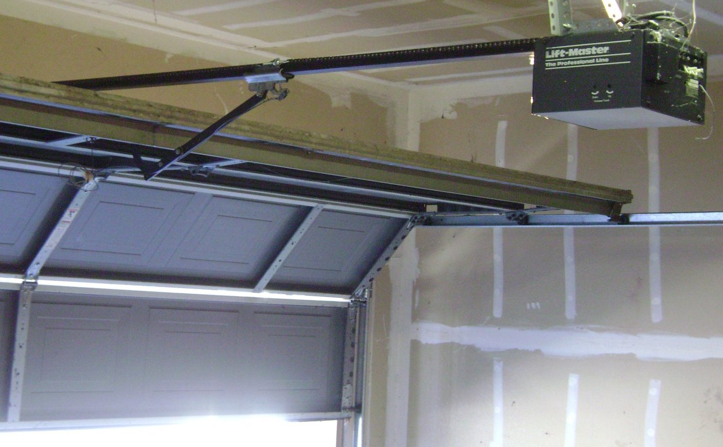 Automatic Garage Door S