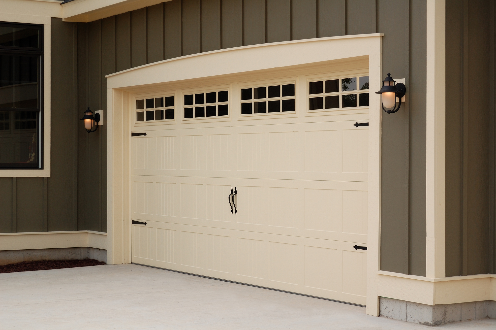 Metro Denver Garage Door, Garage Doors Denver, Denver Garage Door Company, Garage Door Colors, How to Pick a Garage Door Color,